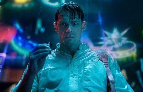 01 'Altered Carbon' la serie original de Netflix más ambiciosa