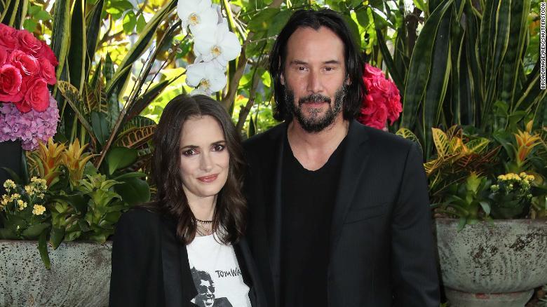 Winona Ryder y Keanu Reeves se habrían casado en los 90s sin saberlo