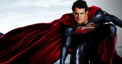 01 Youtuber japones transforma a Superman en anime