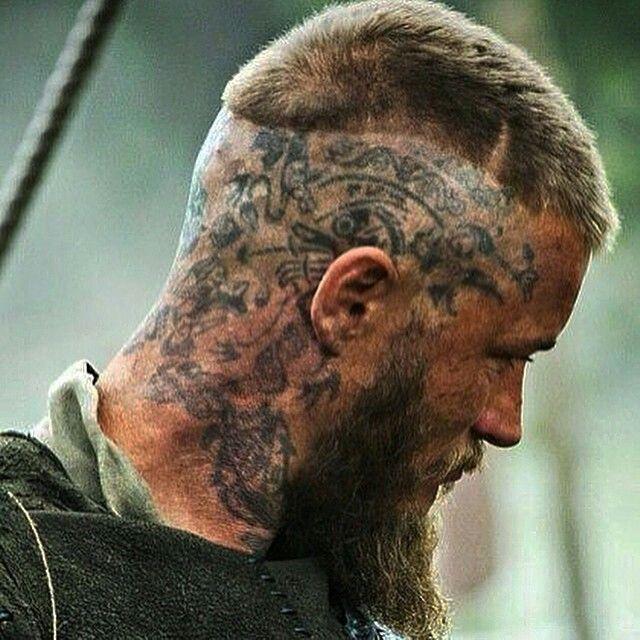 02 Vikings El simbolismo de los tatuajes detras de los personajes de la serie
