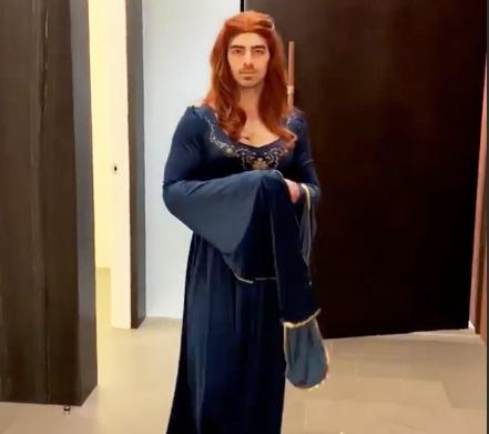 01 Joe Jonas hace cosplay de Sansa Stark por Halloween vídeo