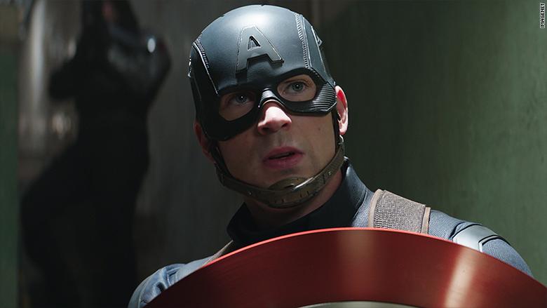 Fans de Marvel critican a Capitán América por hipócrita