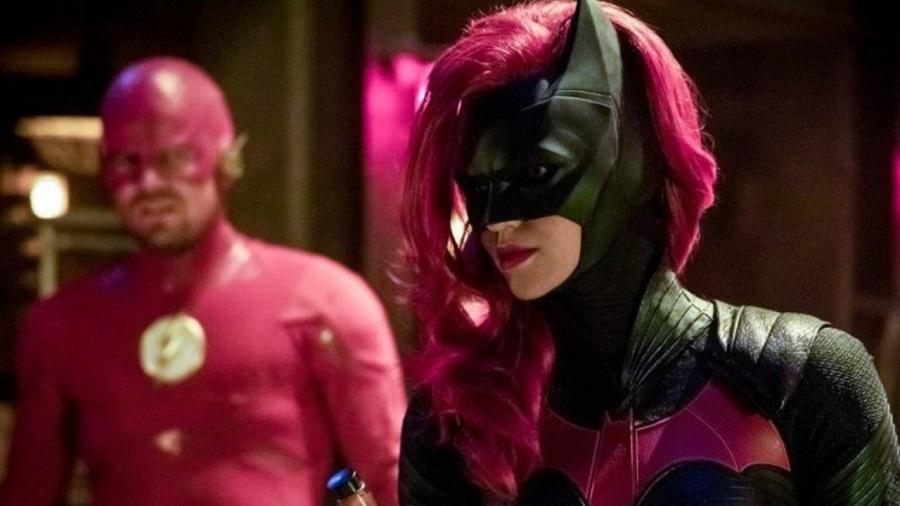 03 Director de Juego de Tronos esta a cargo de piloto de Batwoman
