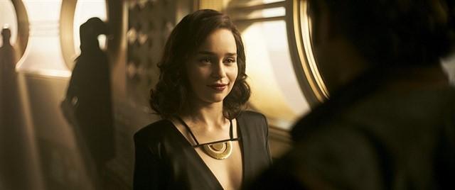 01 Jason Momoa y Emilia Clarke se reunen en los Oscar