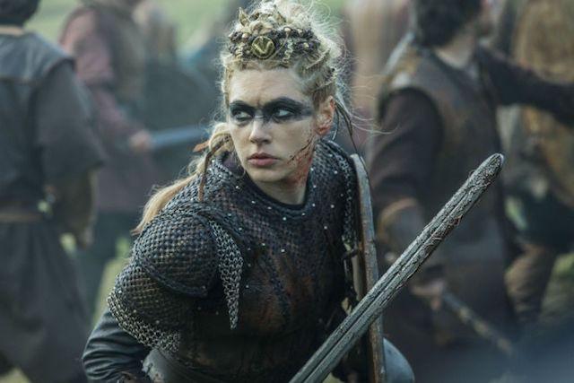Actriz de Vikings alborota Instagram para elegir el tatuaje de Lagertha