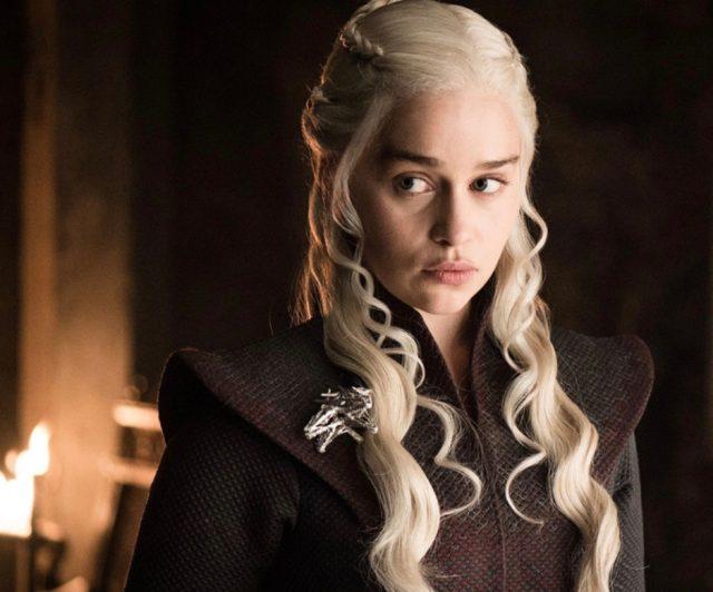 Cuánto gana Emilia Clarke la estrella de Juego de Tronos