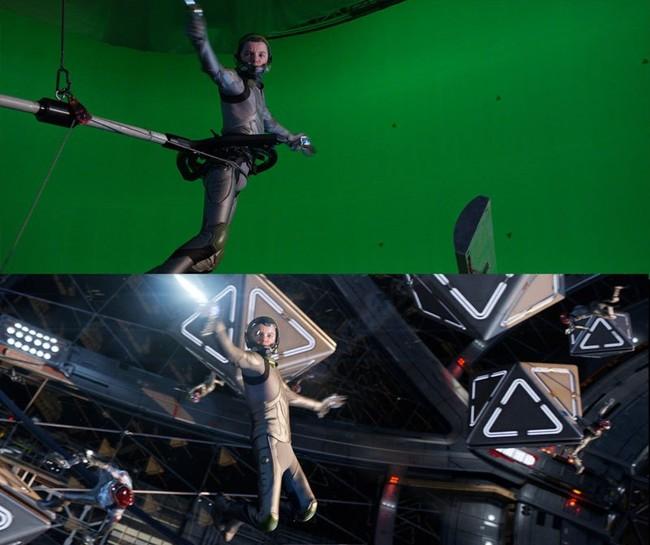 24 personajes en escena antes y después de los efectos especiales